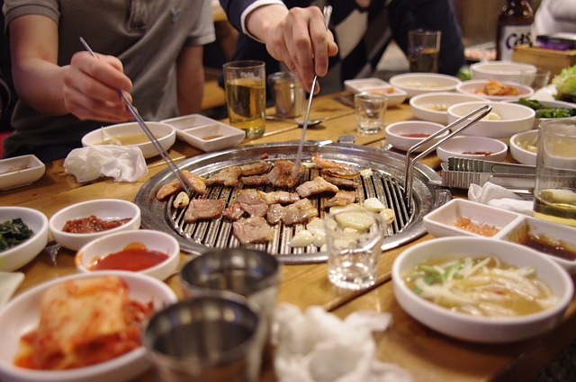 dining-together